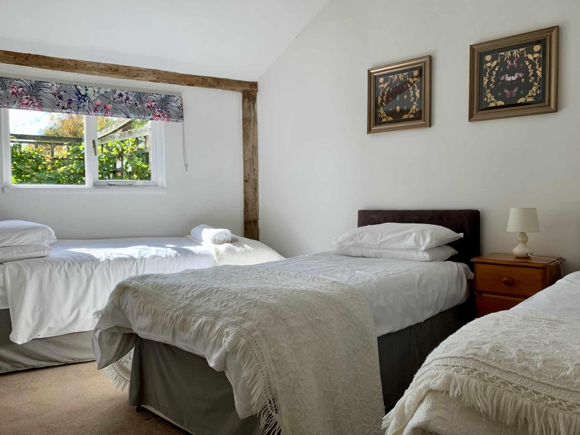LB_bedroom1